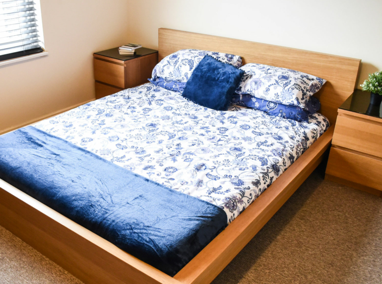 Student flat at The No Place Inn, one bedroom studio apartment to rent in Plymouth