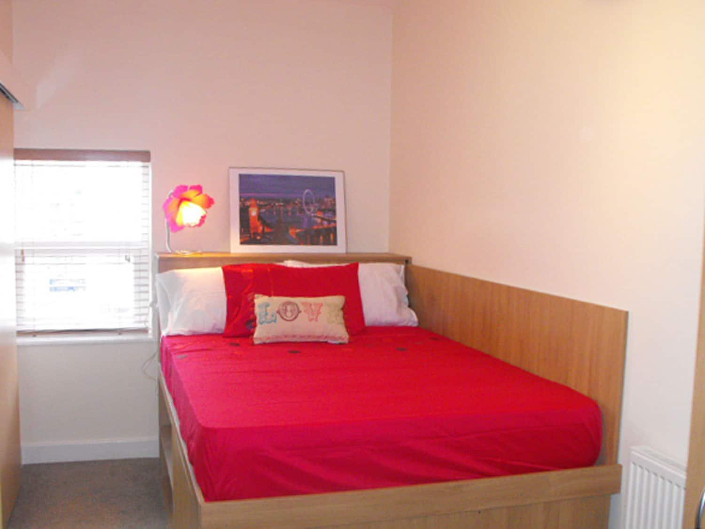 Student flats at The Jazz Bar in Preston, 4 bedrooms third floor flat