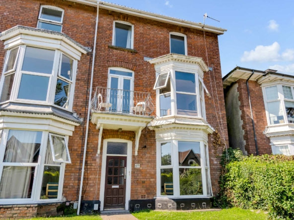 10 bedroom student house to rent in Uplands, Sketty Road, Swansea SA2 0LJ
