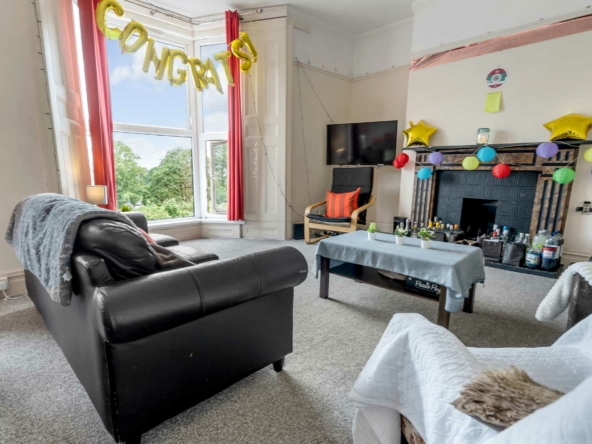 7 Bed house to rent at 74 Bryn Road, Brynmill, Swansea SA2 0AS