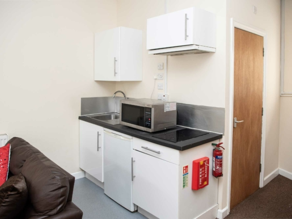 Student flat at The Mutley Tavern, one bedroom studio apartment in Plymouth